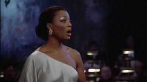 Diva opera lady