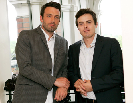 Ben Affleck is the good-looking one on the left, Casey Affleck appears in this movie.